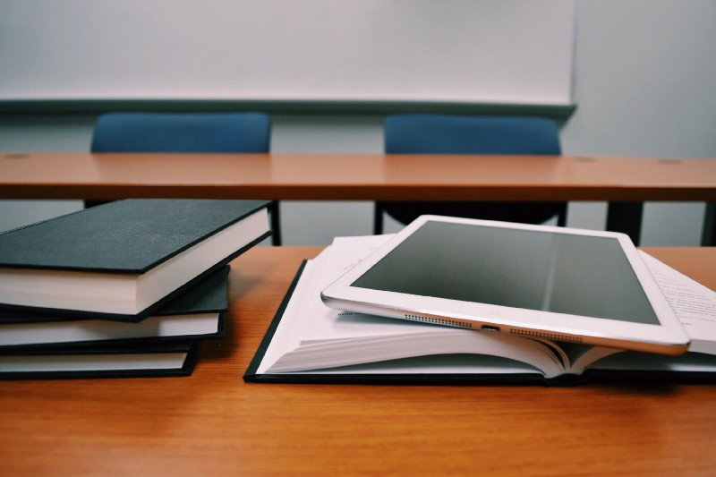5 Reasons to Use Technology In College Classrooms